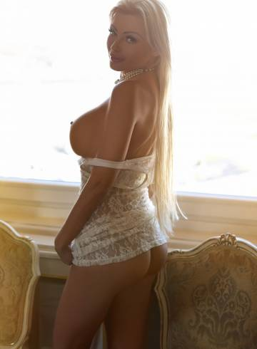 porbo escort girl orange