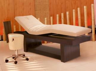 Pros and Cons of Massage Tables for Men Who Have Massage