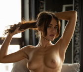 Dusseldorf Escort StacyYoung Adult Entertainer, Adult Service Provider, Escort and Companion.