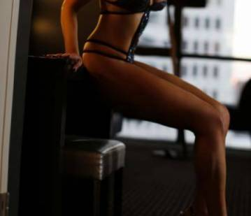 Los Angeles Escort VIPVeronica Adult Entertainer in United States, Adult Service Provider, Escort and Companion.