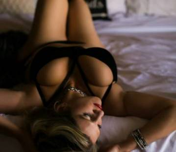 Richmond Escort Alexa Cole Adult Entertainer in United States, Adult Service Provider, Escort and Companion.
