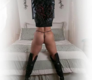 Boise Escort AzureDee Adult Entertainer in United States, Adult Service Provider, Escort and Companion.