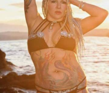 Nanaimo Escort LalaniElectrica Adult Entertainer in Canada, Adult Service Provider, Escort and Companion.