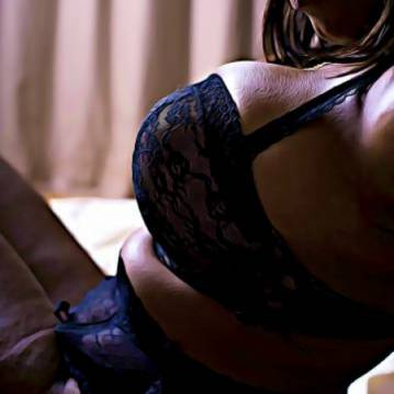 Denver Escort CoCo_Sweet Adult Entertainer, Adult Service Provider, Escort and Companion.