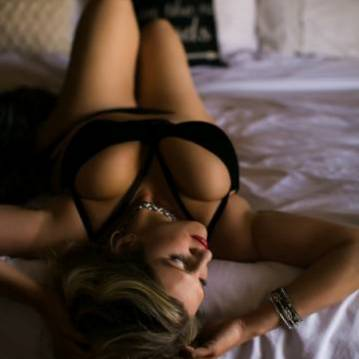 Richmond Escort Alexa Cole Adult Entertainer, Adult Service Provider, Escort and Companion.