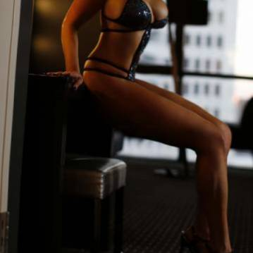 Los Angeles Escort VIPVeronica Adult Entertainer, Adult Service Provider, Escort and Companion.
