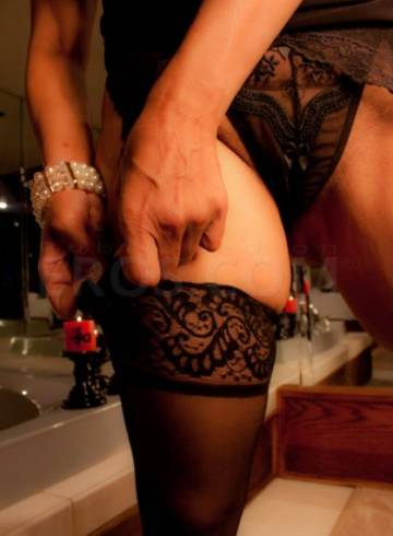 Chicago Escort SELENIA  LENORA Adult Entertainer in United States, Female Adult Service Provider, Escort and Companion.