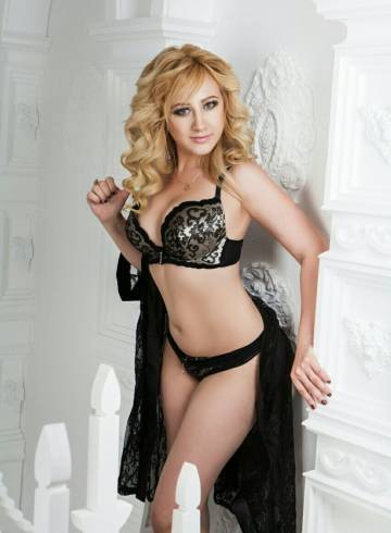Athens Escort Shakira Adult Entertainer in Greece, Female Adult Service Provider, Russian Escort and Companion.