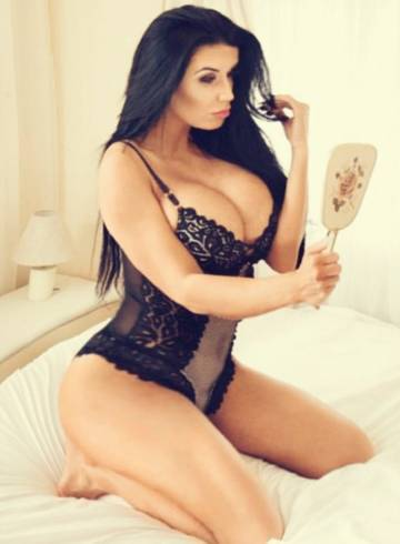 Portland, Oregon Escort KimillaCole Adult Entertainer in United States, Female Adult Service Provider, Escort and Companion.