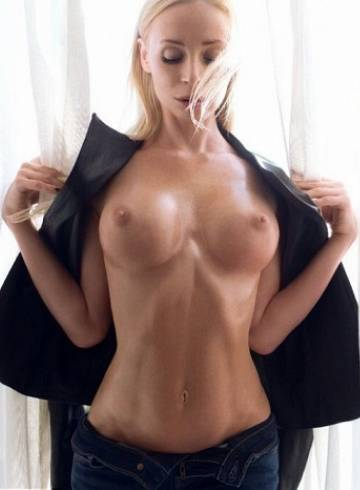 Chicago Escort Bella  Russia Adult Entertainer in United States, Female Adult Service Provider, Escort and Companion.