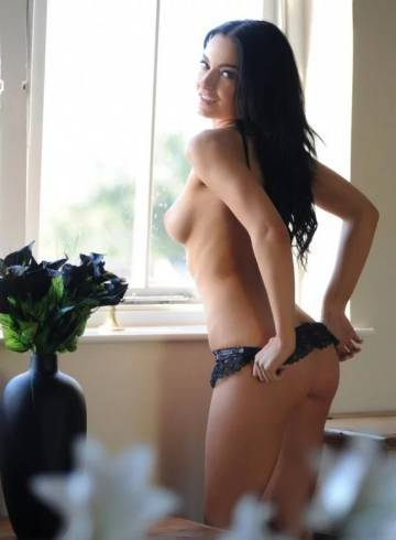 Miami Escort Karina  Escort Adult Entertainer in United States, Female Adult Service Provider, Escort and Companion.