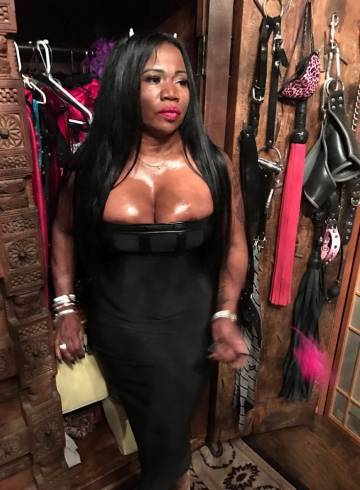Fort Lauderdale Escort Mistress  Mona Adult Entertainer in United States, Female Adult Service Provider, Escort and Companion.