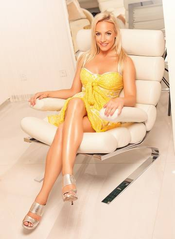 Miami Escort Blonde  Vanessa Adult Entertainer in United States, Female Adult Service Provider, Escort and Companion.