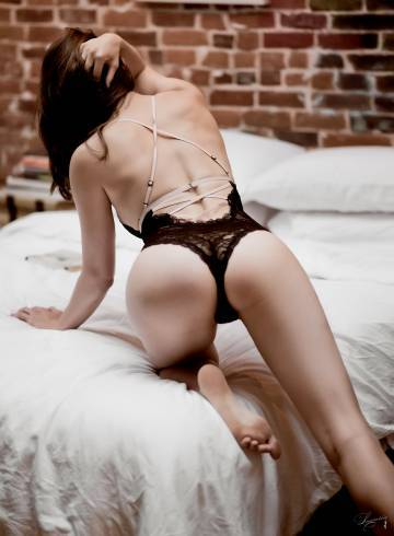Washington DC Escort Leana  Lane Adult Entertainer in United States, Female Adult Service Provider, Escort and Companion.