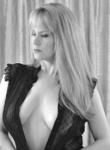 Madison Escort Kristy  Lee Adult Entertainer in United States, Female Adult Service Provider, Escort and Companion.