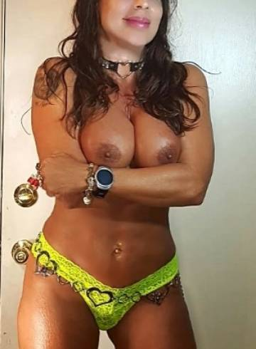 Phoenix Escort LISA  MARIE HEART Adult Entertainer in United States, Female Adult Service Provider, American Escort and Companion.