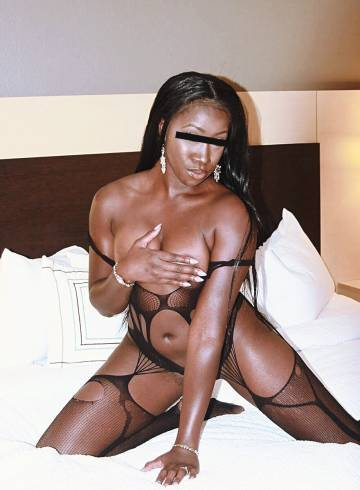 Dallas Escort ASHLYN  CHARM Adult Entertainer in United States, Female Adult Service Provider, Escort and Companion.