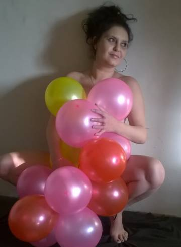 Port Elizabeth Escort Hot  Storm Adult Entertainer in South Africa, Female Adult Service Provider, Escort and Companion.