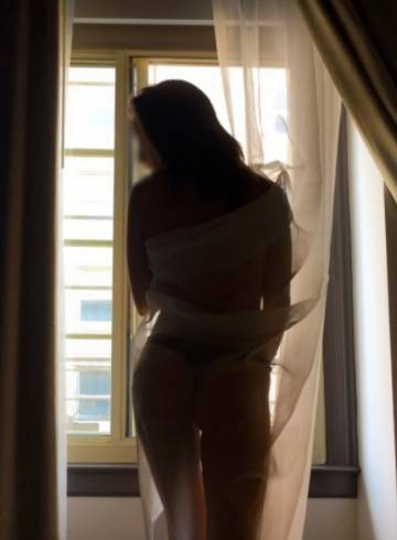 Los Angeles Escort CHLOE  FIORI Adult Entertainer in United States, Female Adult Service Provider, Escort and Companion.