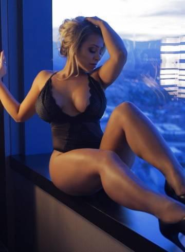Las Vegas Escort NADIA  SKYE Adult Entertainer in United States, Female Adult Service Provider, Escort and Companion.