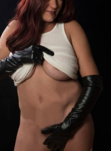 Chicago Escort Maggie  Linn Adult Entertainer in United States, Female Adult Service Provider, Escort and Companion.