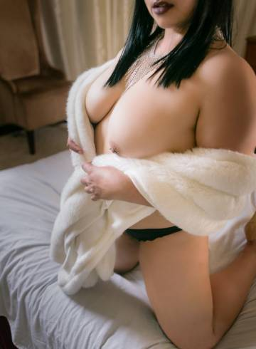 Oakland Escort Amira  Shiraz Adult Entertainer in United States, Female Adult Service Provider, Escort and Companion.