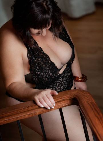 Tucson Escort Paige  Pleases Adult Entertainer in United States, Female Adult Service Provider, Escort and Companion.