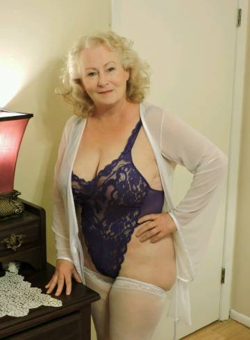 New Orleans Escort Miss  Michelle Adult Entertainer in United States, Female Adult Service Provider, Escort and Companion.