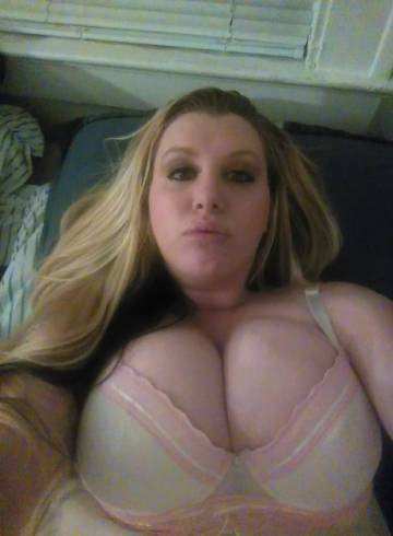 Cleveland Escort Brandi Adult Entertainer in United States, Female Adult Service Provider, Escort and Companion.