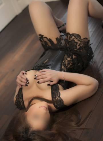 New York Escort Larissa  Sweets Adult Entertainer in United States, Female Adult Service Provider, Escort and Companion.