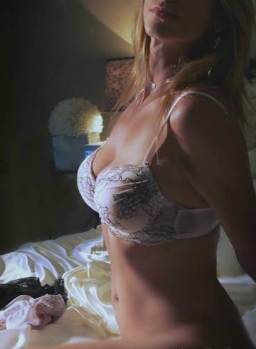 Houston Escort Brandi  Lynn Adult Entertainer in United States, Female Adult Service Provider, Escort and Companion.