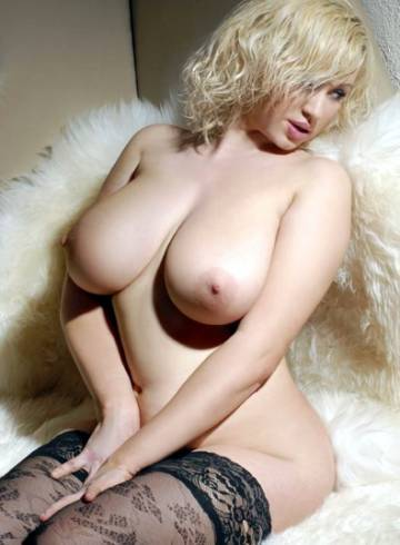 Paris Escort NIKOLE2018 Adult Entertainer in Canada, Female Adult Service Provider, Escort and Companion.