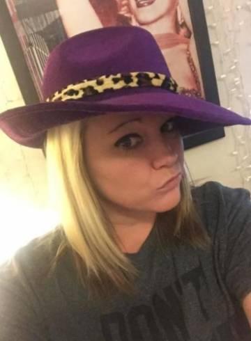 Dallas Escort Nikki  Secret Adult Entertainer in United States, Female Adult Service Provider, Escort and Companion.
