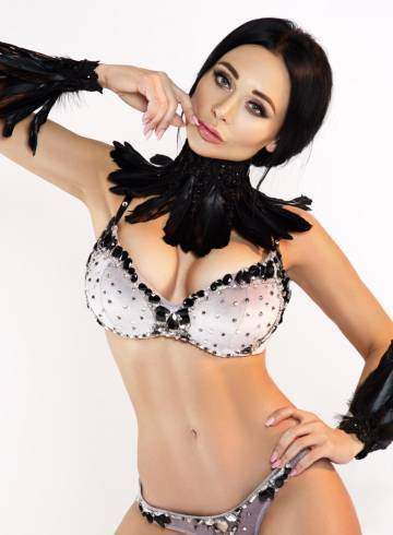 Rome Escort ANNET Adult Entertainer in Italy, Female Adult Service Provider, Escort and Companion.