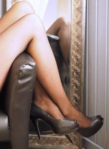 Kuala Lumpur Escort Mistress  Elona Adult Entertainer in Malaysia, Female Adult Service Provider, Escort and Companion.