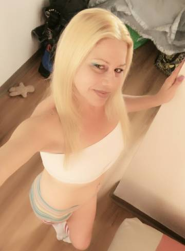 Ventura Escort Naughty  Carrie Adult Entertainer in United States, Female Adult Service Provider, American Escort and Companion.