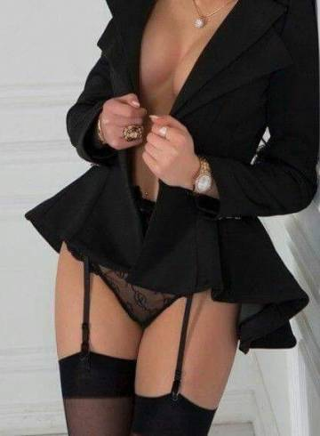 Saint Louis Escort SexySarah_ Adult Entertainer in United States, Female Adult Service Provider, Escort and Companion.