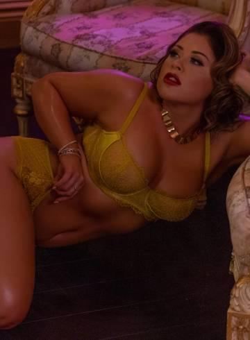 Las Vegas Escort Charlotte  Halle Adult Entertainer in United States, Female Adult Service Provider, American Escort and Companion.