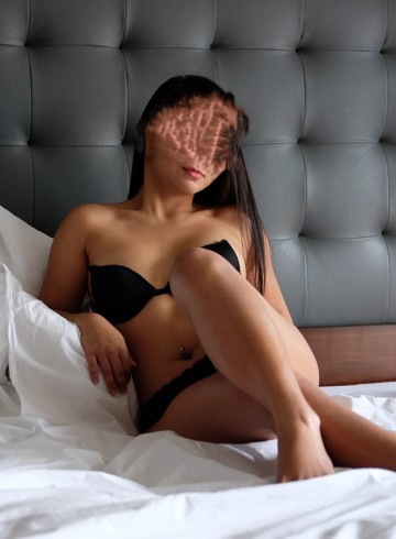 Makati Escort HotCaramel Adult Entertainer in Philippines, Female Adult Service Provider, Filipino Escort and Companion.