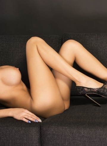 Stockholm Escort AngelJesik Adult Entertainer in Sweden, Female Adult Service Provider, Italian Escort and Companion.