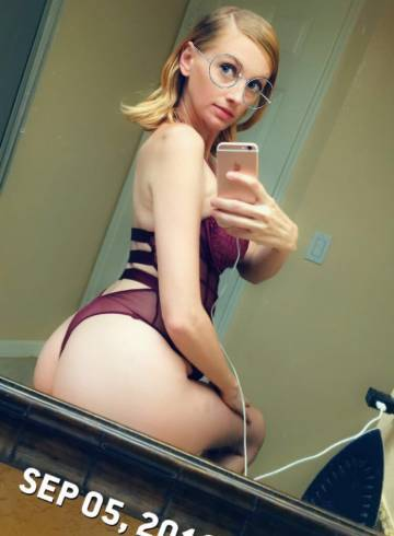 Orlando Escort Ashley  Monroe Adult Entertainer in United States, Female Adult Service Provider, American Escort and Companion.