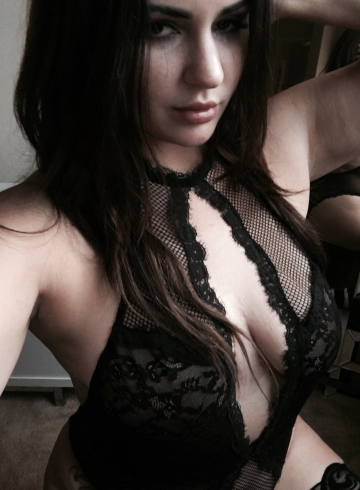 Sacramento Escort ChanelSnow Adult Entertainer in United States, Female Adult Service Provider, Escort and Companion.