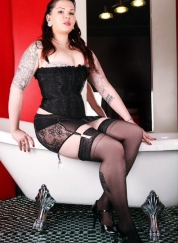 Oakland Escort CharlottePage Adult Entertainer in United States, Female Adult Service Provider, Escort and Companion.