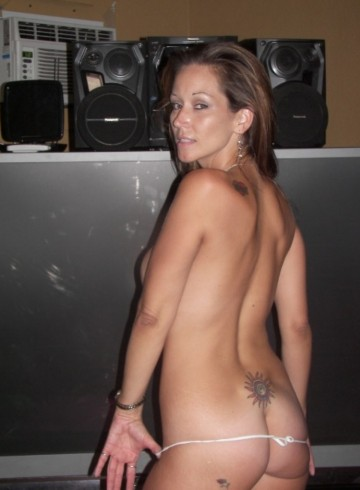 Dallas Escort ElianaSparks Adult Entertainer in United States, Female Adult Service Provider, Escort and Companion.