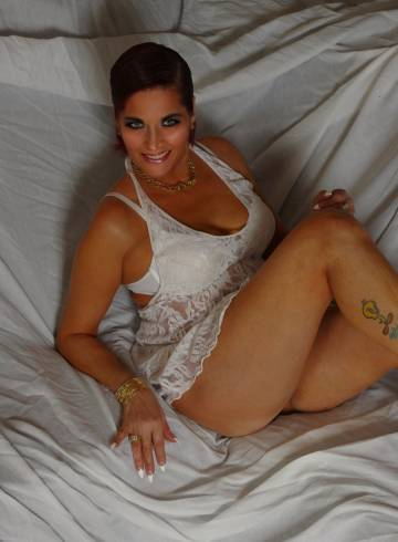 Phoenix Escort Enchanting Adult Entertainer in United States, Female Adult Service Provider, Puerto Rican Escort and Companion.