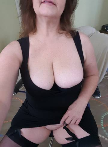 Montgomery Escort FallonKelly Adult Entertainer in United States, Female Adult Service Provider, American Escort and Companion.