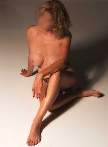 Orlando Escort HarlaQuinn Adult Entertainer in United States, Female Adult Service Provider, Escort and Companion.