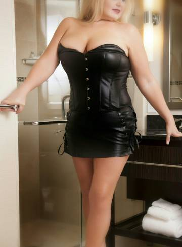Charlotte Escort Kinky  Kerri Adult Entertainer in United States, Female Adult Service Provider, Escort and Companion.