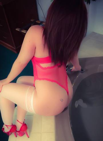 Virginia Beach Escort Mindy Adult Entertainer in United States, Female Adult Service Provider, American Escort and Companion.