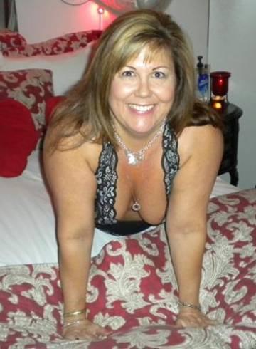 Escondido Escort MizzDiana Adult Entertainer in United States, Female Adult Service Provider, American Escort and Companion.